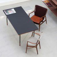 Nyhavn Desk_ 45 Chair-min
